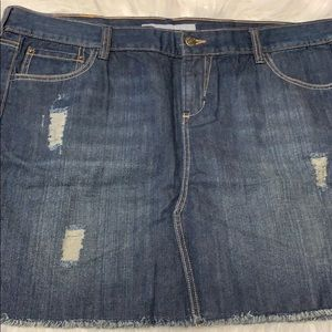 Old Navy distressed jean skirt women's size 16